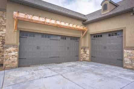 PRIVREDNO DRUŠTVO ZA PROIZVODNJU I PRODAJU ALUMINIJUMSKE STOLARIJE SAFRAL D.O.O. KRUŠEVAC, Krilna garažna vrata